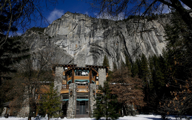 Отель зимой в Йосемити
