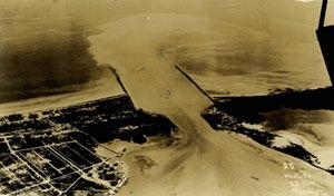 Недавно сделанный пролив между двумя островами (Фишер Айленд справа)