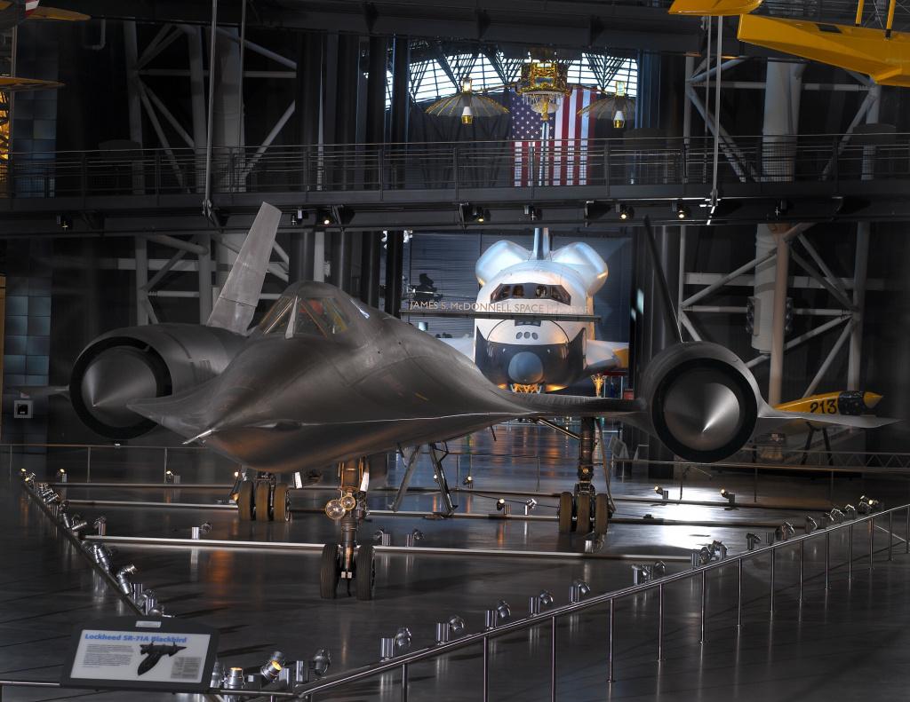 Разведчик sr-71 в музее в Вашингтоне