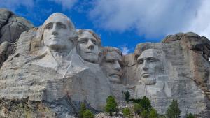Гора Рашмор - история, фото и кто изображен на монументе